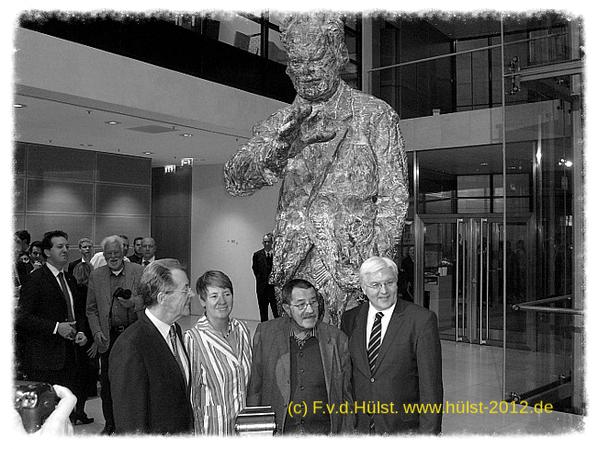 Frank W. Steinmeier, Günter Grass, Barbara Hendricks,Franz Müntefering (Hintergrund: Robert Lebeck)